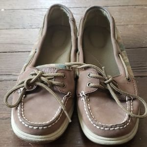 Camo leather top Sperry shoes